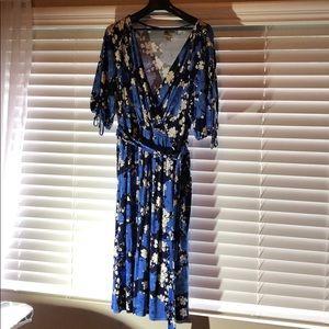 A blue floral Merona dress size Large